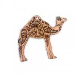 Colgante de Madera Camello 50x61mm