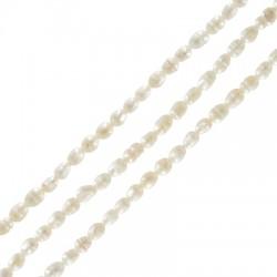 Perla Cultivada Ovalada Irregular ~3.8-4.2mm (~62unid/tira)
